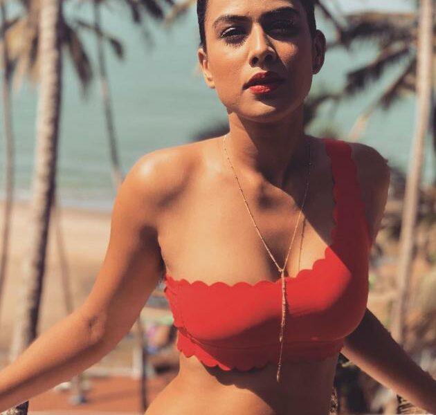 Profil Biodata Nia Sharma
