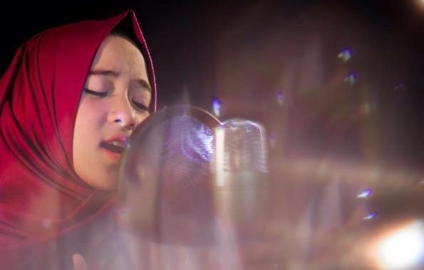Nissa Sabyan 9