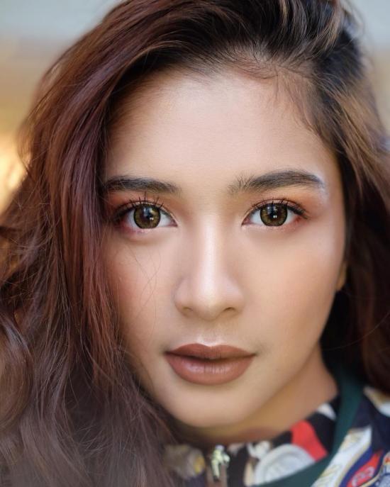 Mikha Tambayong 48