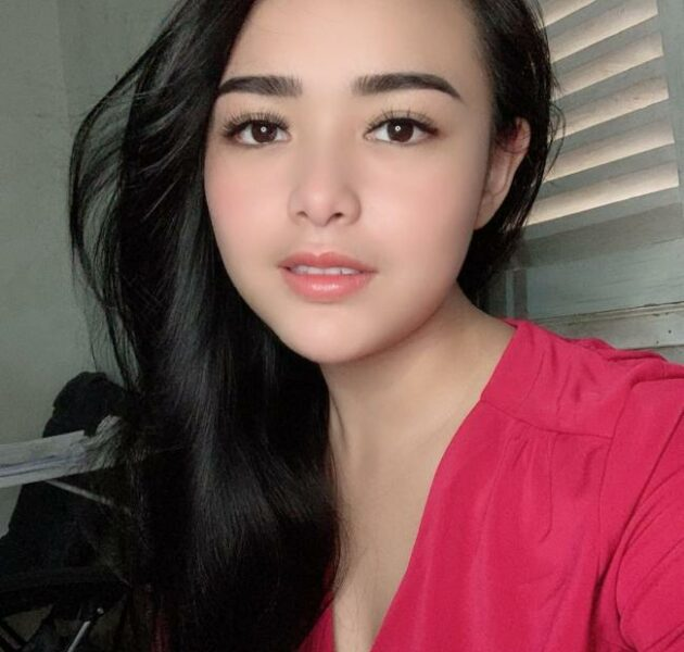 profil biodata Amanda Manopo