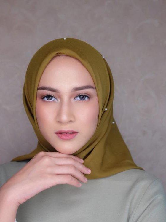 Nina Zatulini 6