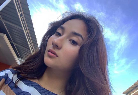 Naomi Zaskia 14