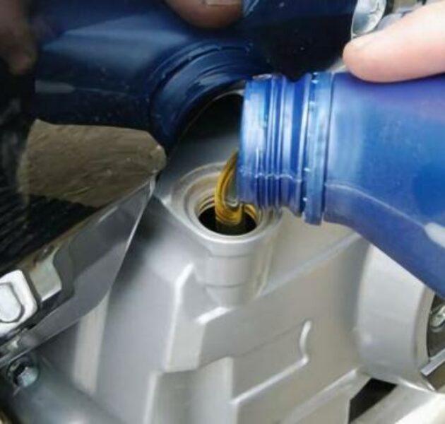 Rajin ganti oli membuat motor matic lebih irit