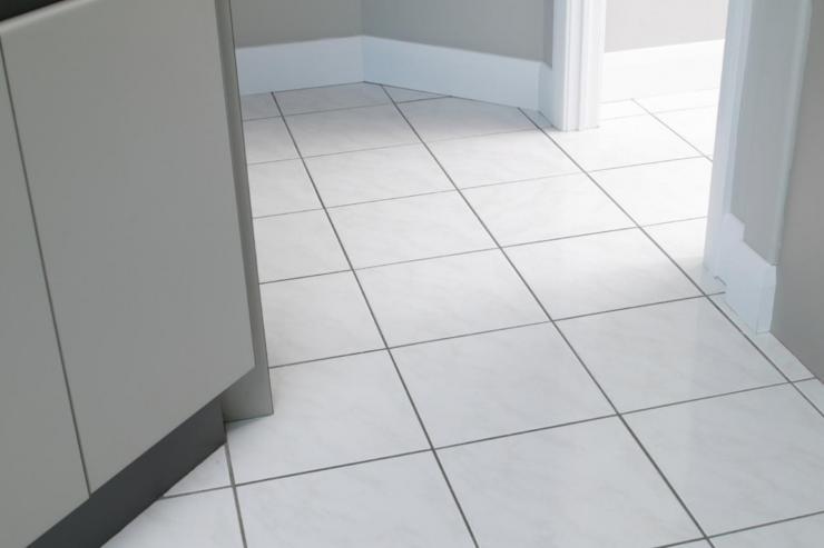 Lantai Keramik Yang Kusam Dapat Mengganggu Pemandangan Rumah